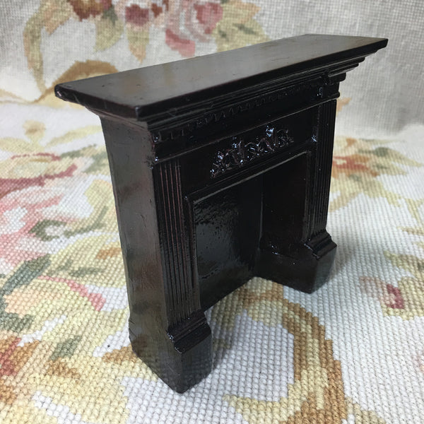 Bespaq Fireplace Mahogany 1:12 Dollhouse Miniature