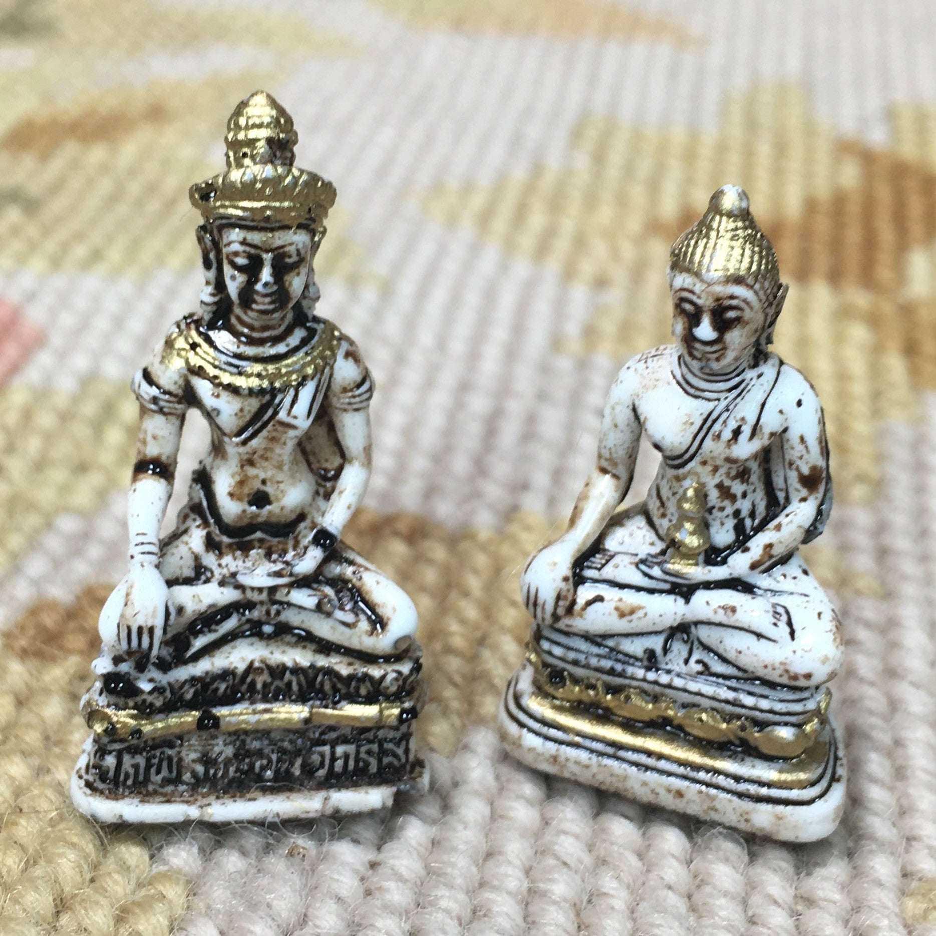 Buddha Budda Buddha Statue Set of 2- 1:12 Dollhouse Miniature