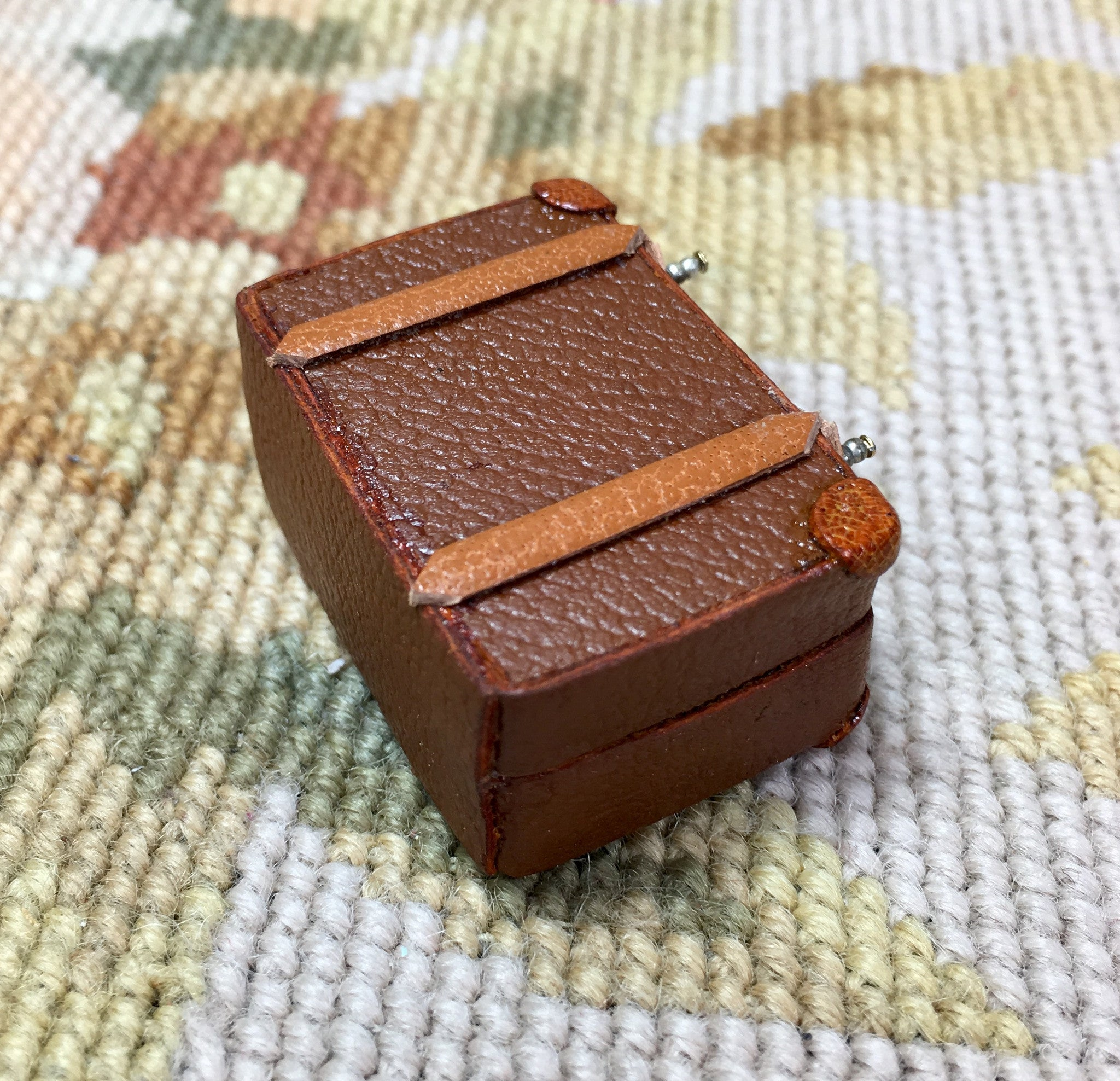 Luggage Bag Suitcase Satchel Valise Grip Small 1:12 Dollhouse Miniature
