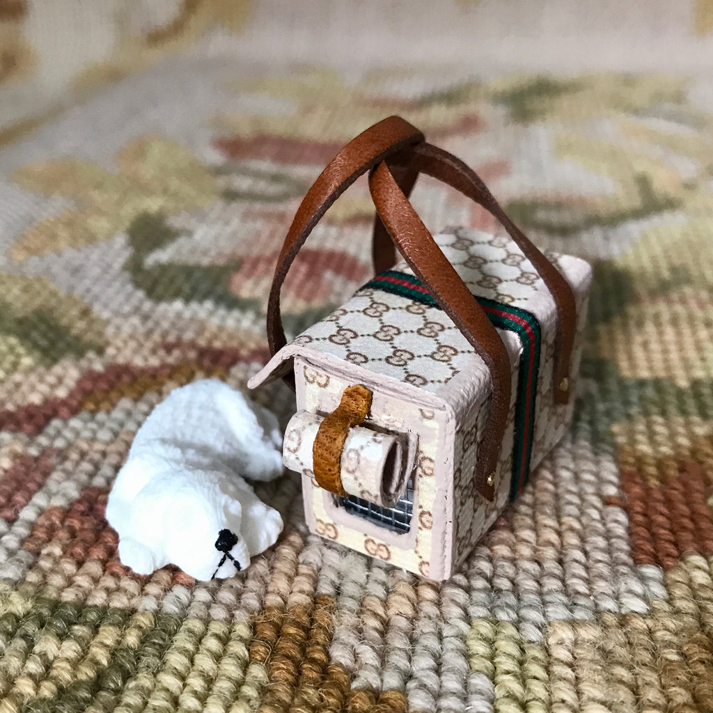 Luggage Designer Dog Cat Pet Carrier Suitcase Satchel with Dog 1:12 Dollhouse Miniature