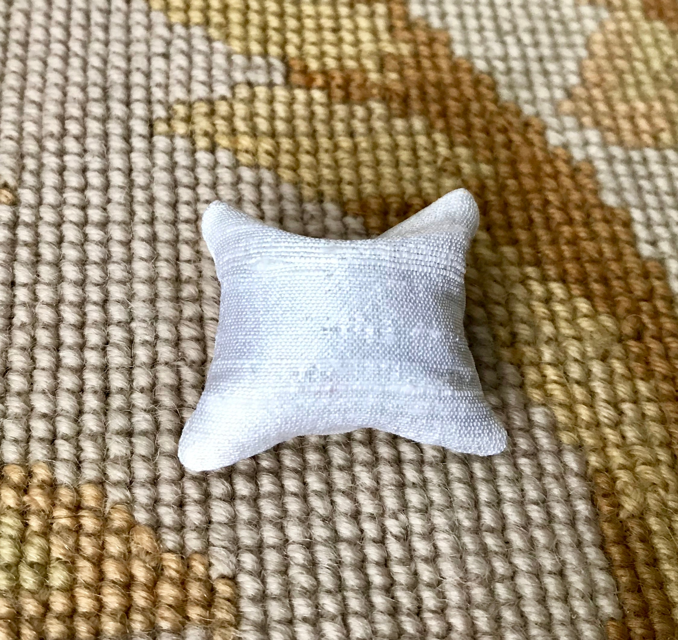 Pillow Cushion Hunt Fabric 1:12 Dollhouse Miniature