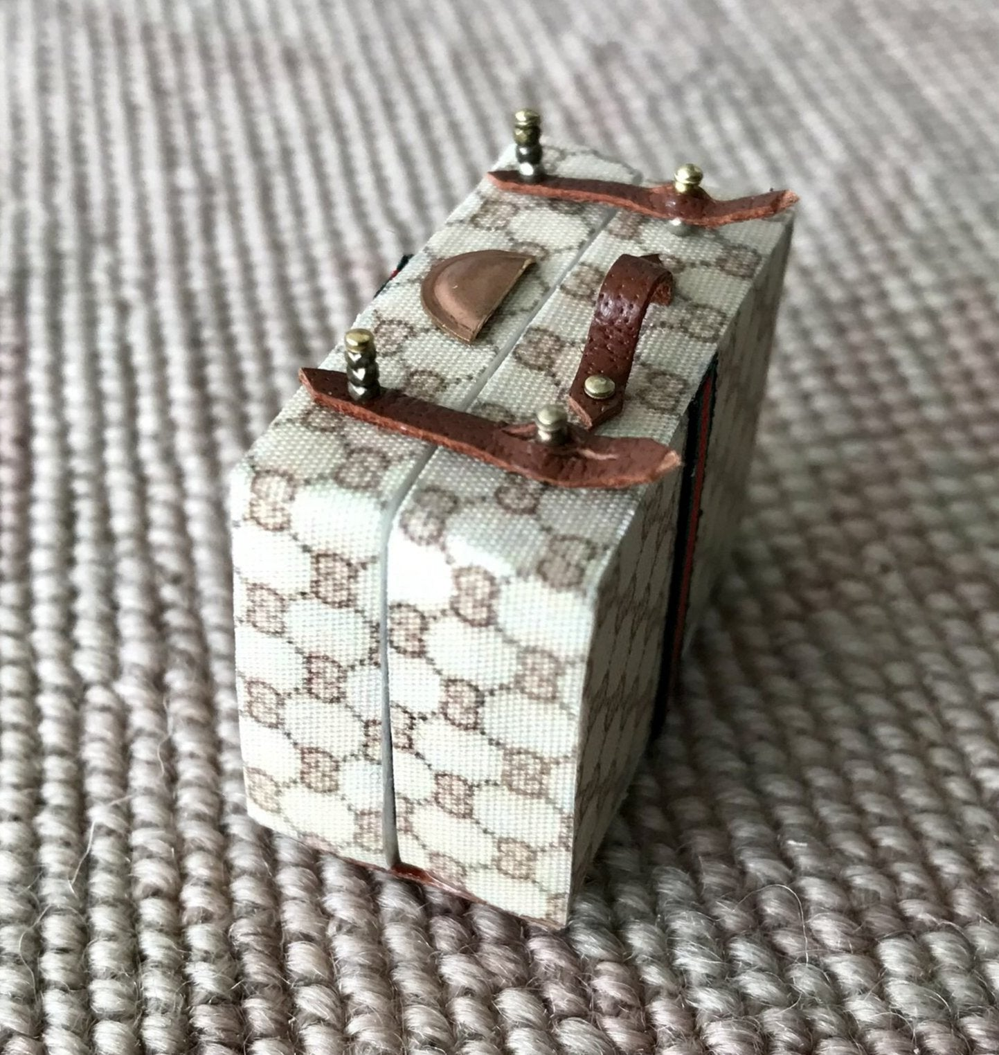 Luggage Suitcase Grip Dressing Case Small 1:12 Dollhouse Miniature