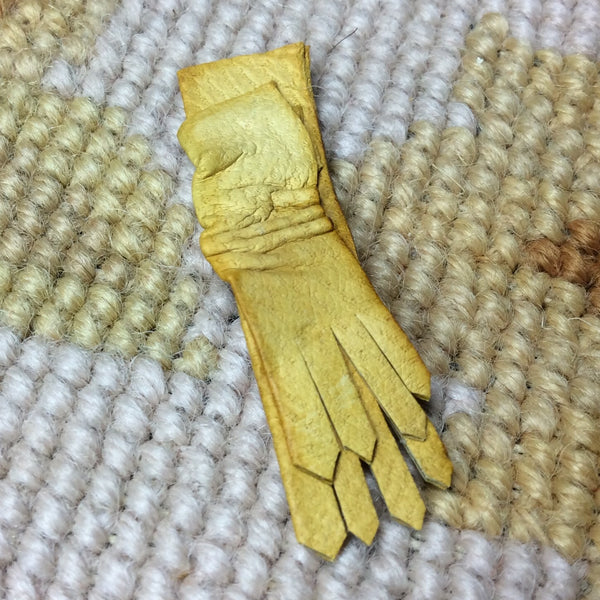 Gloves Leather Tan 1:12 Dollhouse Miniature
