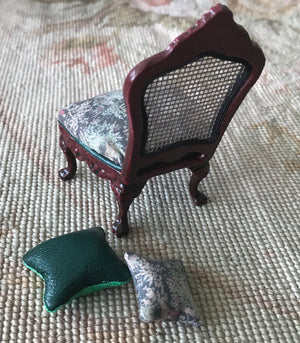 Chair Seat Hunt Fabric with Pillow 1:12 Scale Dollhouse Miniature