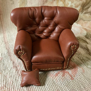 Chair Club Writing Leather with Pillow 1:12 Scale Dollhouse Miniature