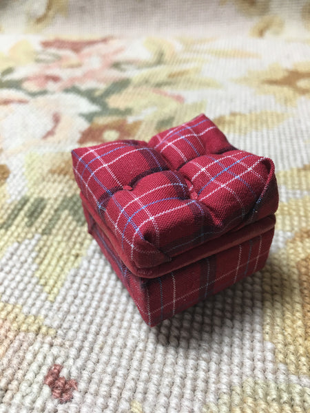 Stool Ottoman Seat Red Plaid 1/12 Dollhouse Miniature