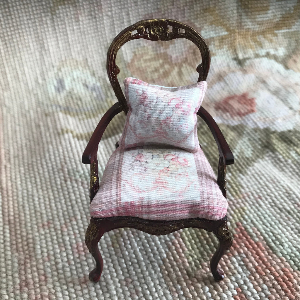 Bespaq Chair Seat with Pillow 1:12 Dollhouse Miniature