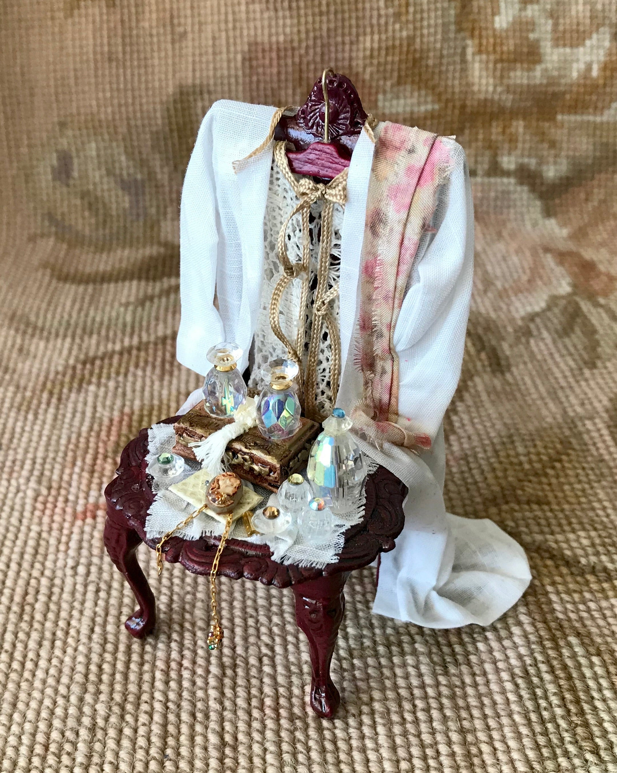 Valet Chair Dressed with Wearable Clothing Outfit Collection Female Heidi Ott 1:12 Dollhouse Miniature