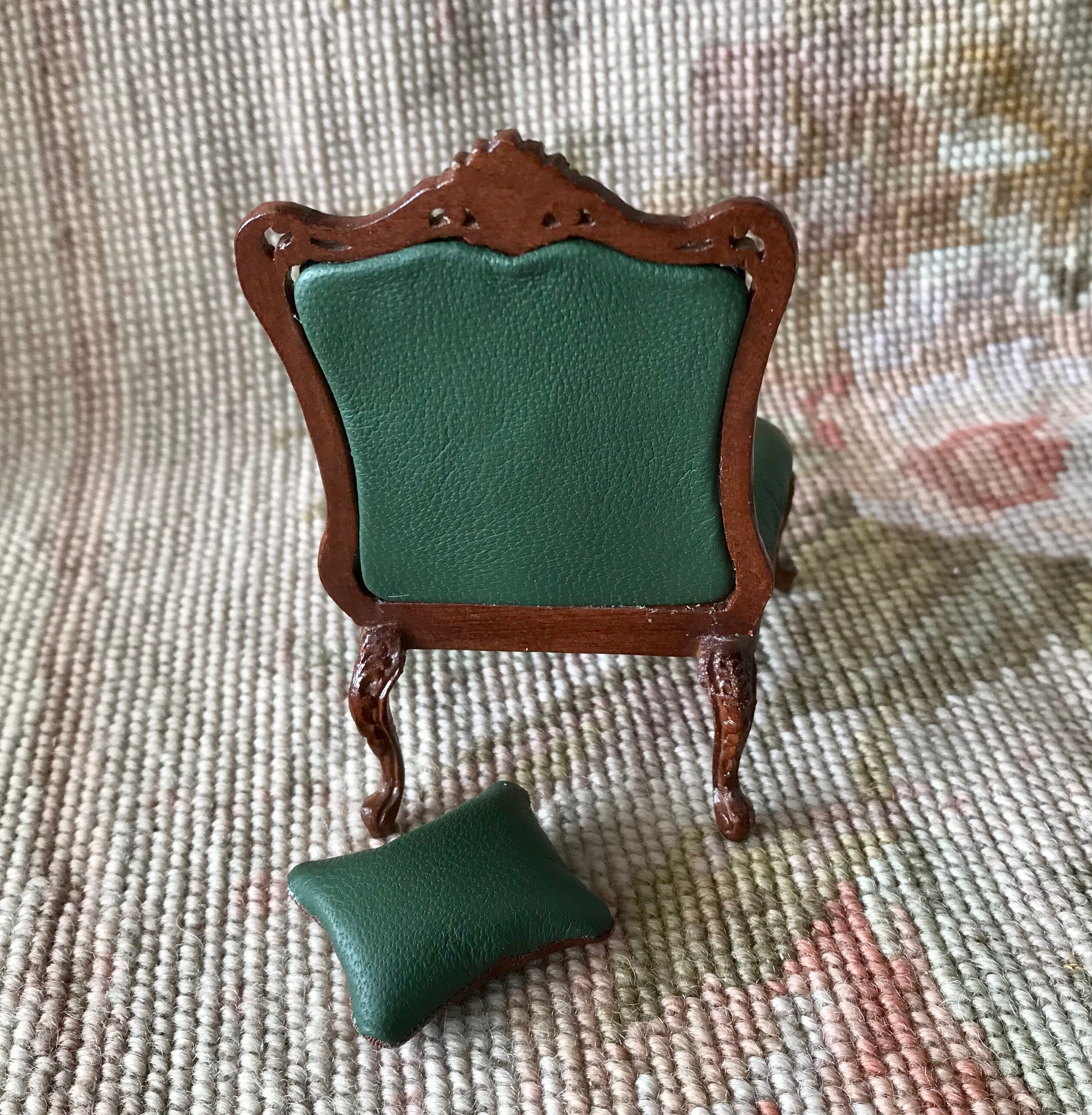 Bespaq Juniper Green Side Chair Seat With Pillow 1:12 Dollhouse Miniature
