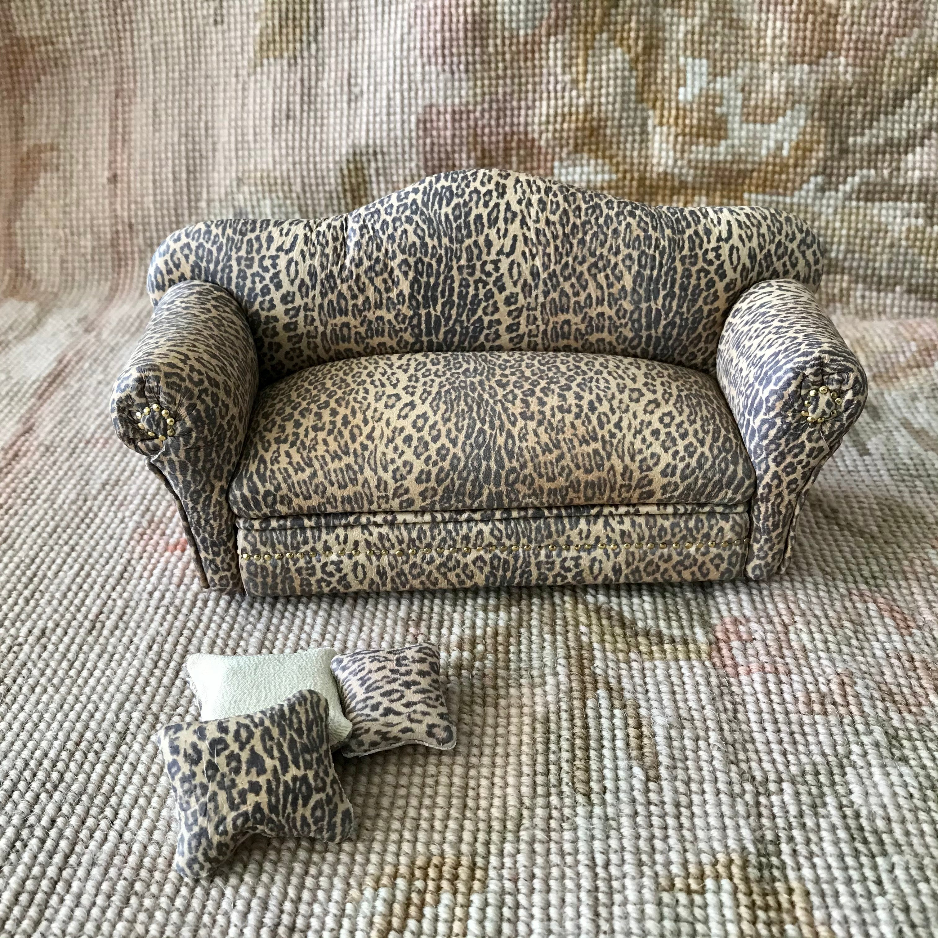 Sofa Couch Lounge Divan Settee Leopard Leather with Pillows 1:12 Scale Dollhouse Miniature