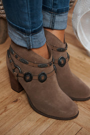 Lockwood Booties (Taupe)