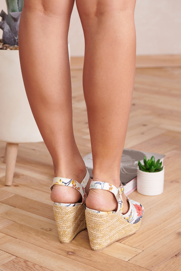 Garden Walk Wedges (White Flower)