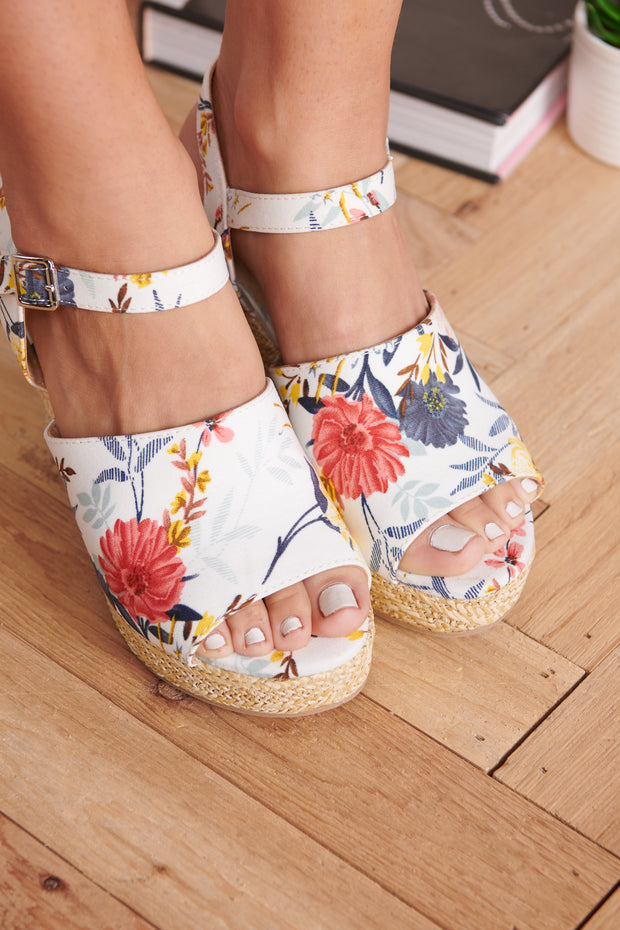 Garden Walk Wedges (White Flower) - NanaMacs
