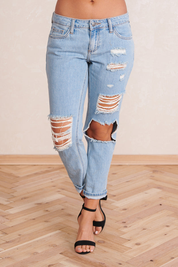Remi Low Rise Cropped Jeans (Light Wash Denim)