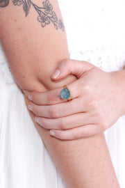 So Charming Statement Ring (Blue-Grey)