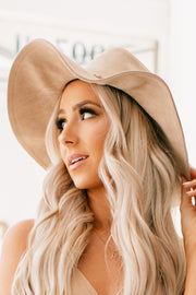 Going My Own Way Faux Suede Hat (Ivory) - NanaMacs