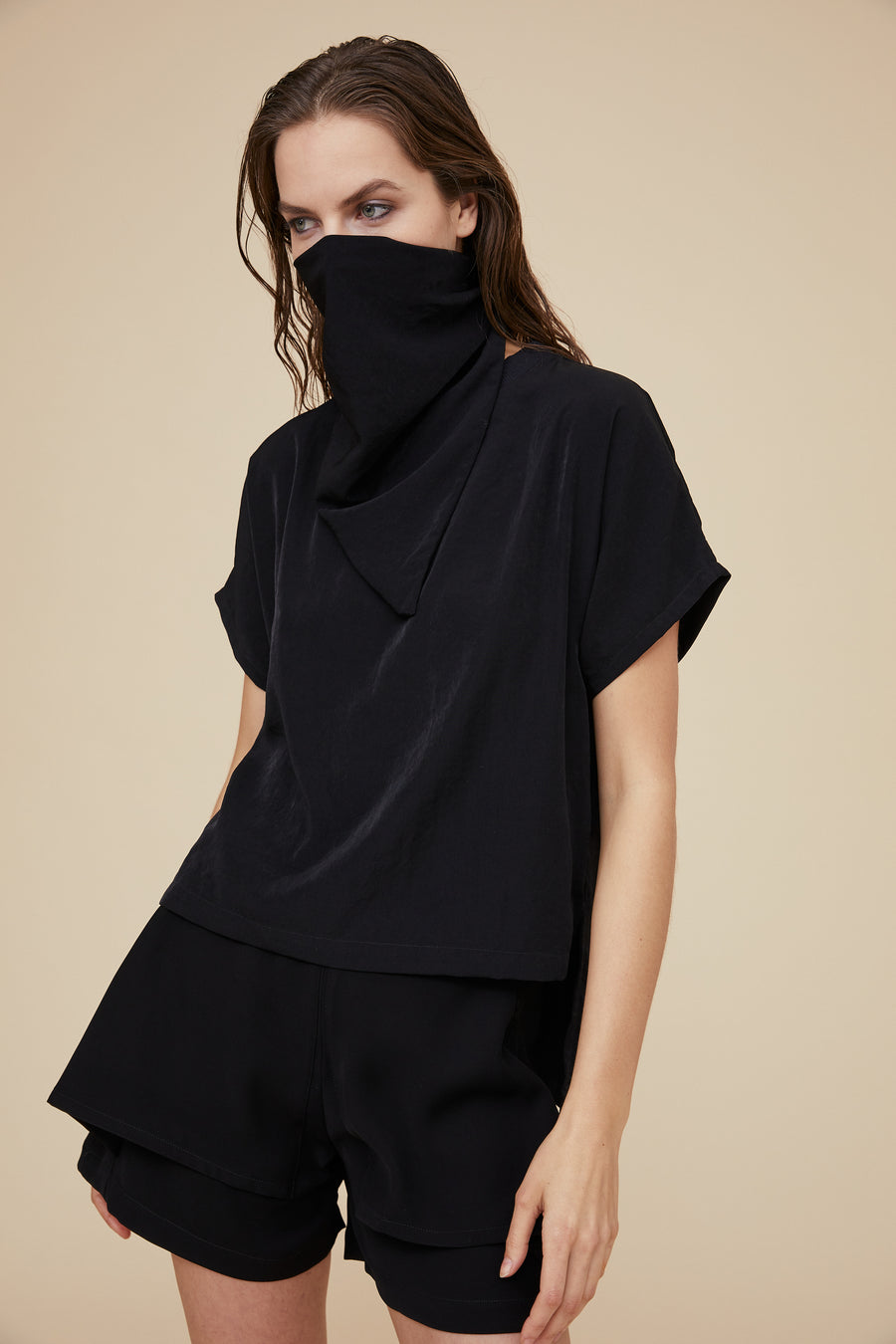 OVERSIZED T-SHIRT WITH SCARF MASK