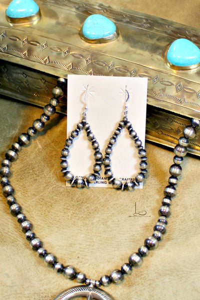 Navajo Pearl Teardrop Earrings - L Trading