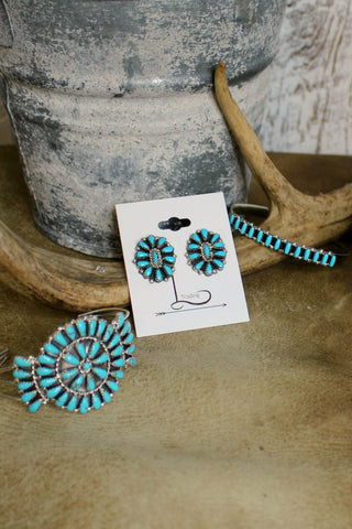 Pequena Cluster Turquoise Studs