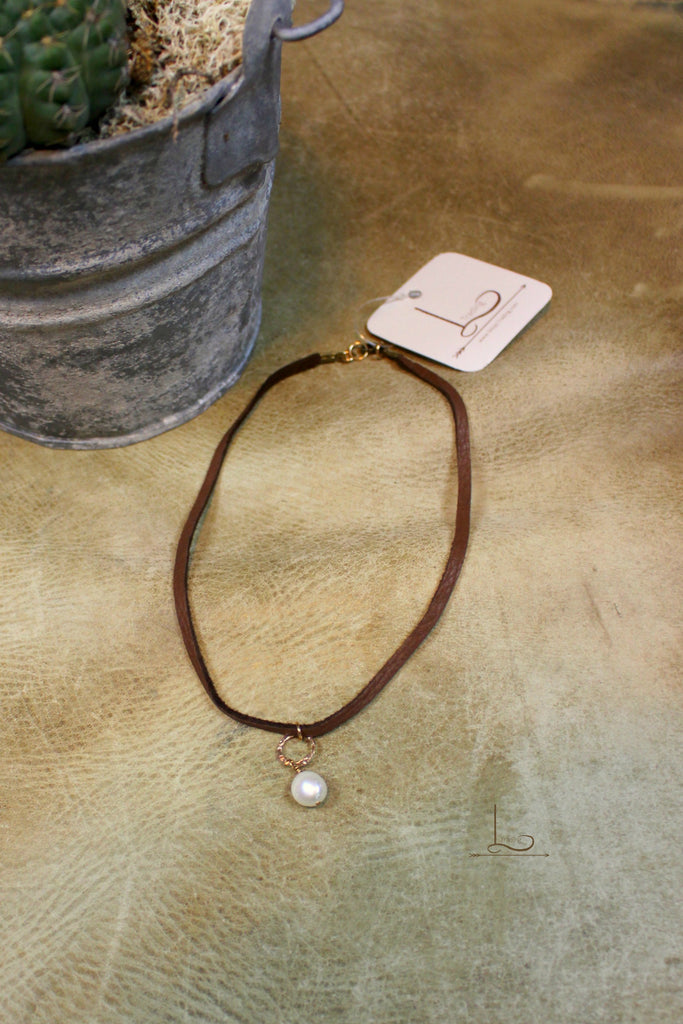 Leather & Pearl Choker - Brown - L Trading