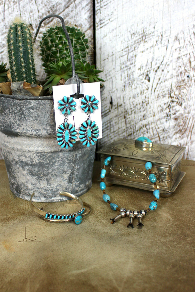 Dos Floral Turquoise Dangles