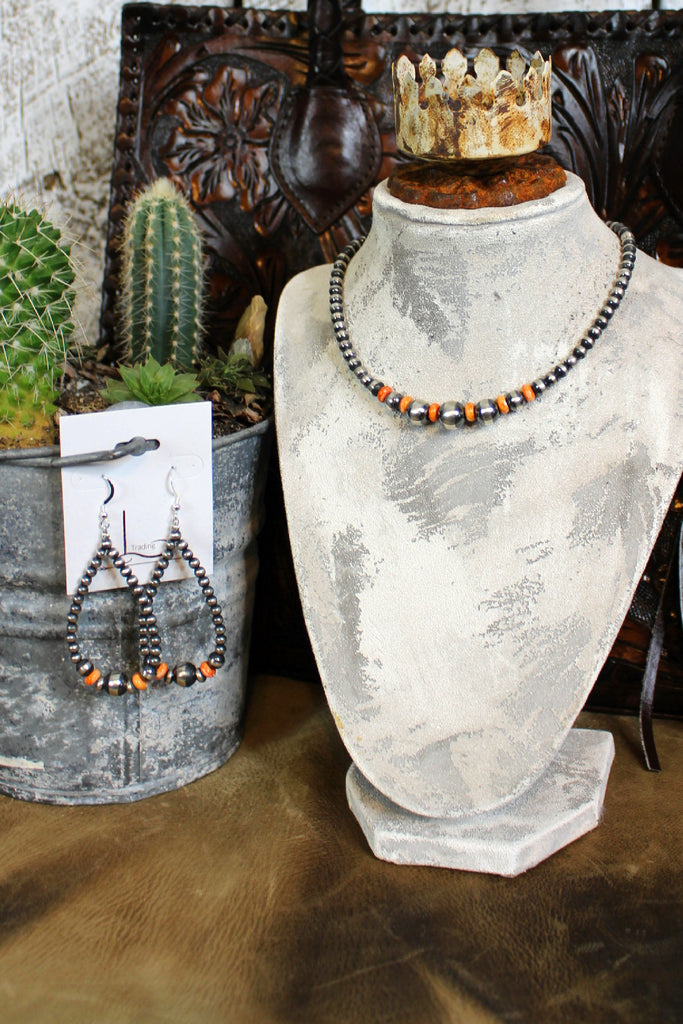 "14"" Navajo Pearls with Spiny Oyster Choker & Teardrop Earrings"