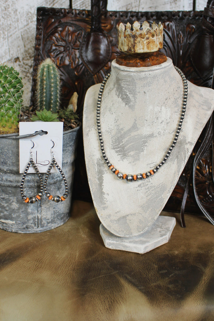 "18"" Navajo Pearls with Spiny Oyster Necklace & Teardrop Earrings"