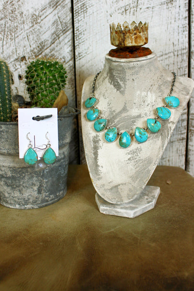 The Nueve Turquoise Necklace & Earrings