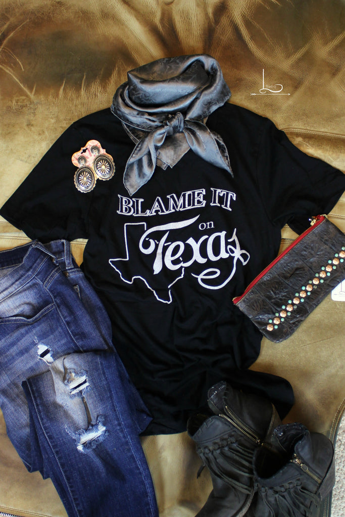 Blame It On Texas~ Graphic Tee - L Trading