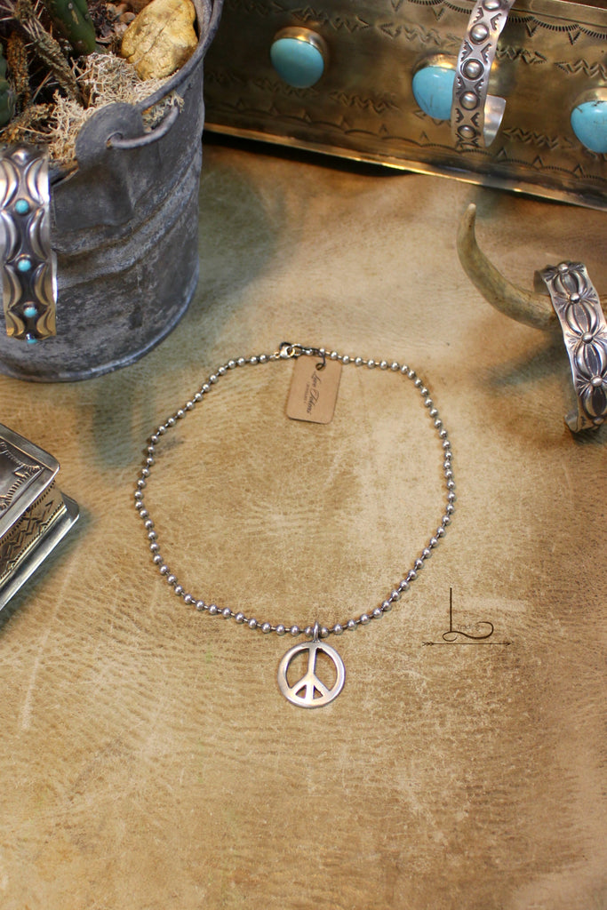 Love Tokens Peace Necklace - L Trading