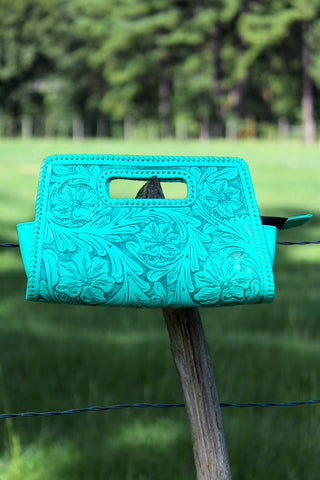 Sobre Chico Clutch in Turquoise