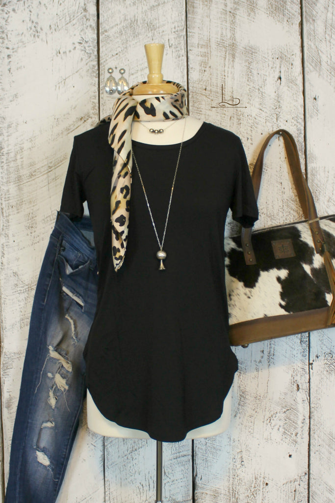Emma Tunic in Black Short Sleeve - L Trading
