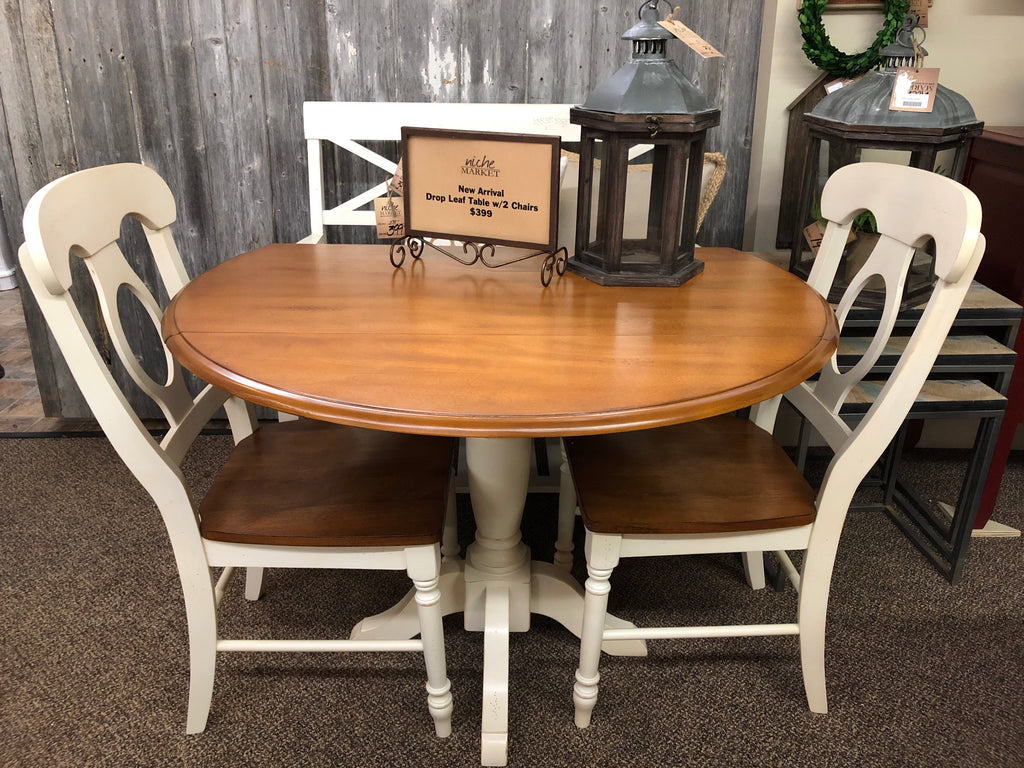 Drop Leaf Table w/2 Chairs