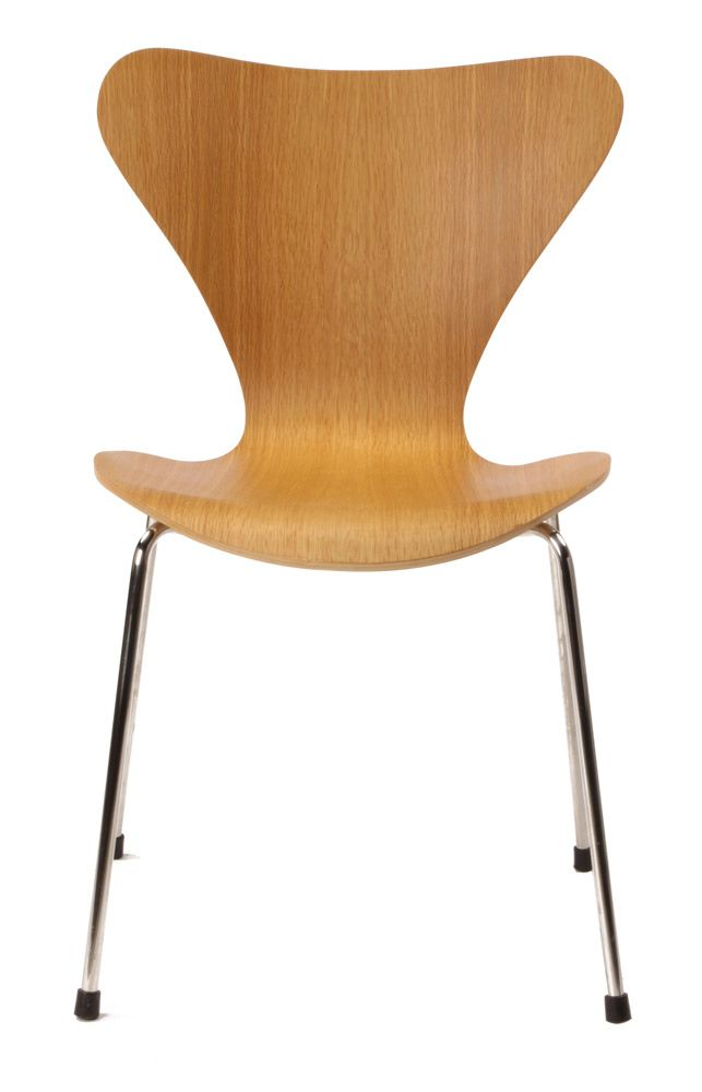 Arne Jacobsen Series 7 Chair Replica