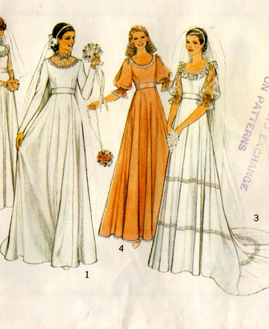 Style 2525 Womens High Waisted Wedding Dress with Optional Train 1970s Vintage Sewing Pattern Size 8