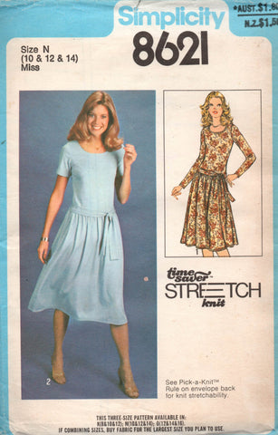 simplicity 8621 stretch 70s dress