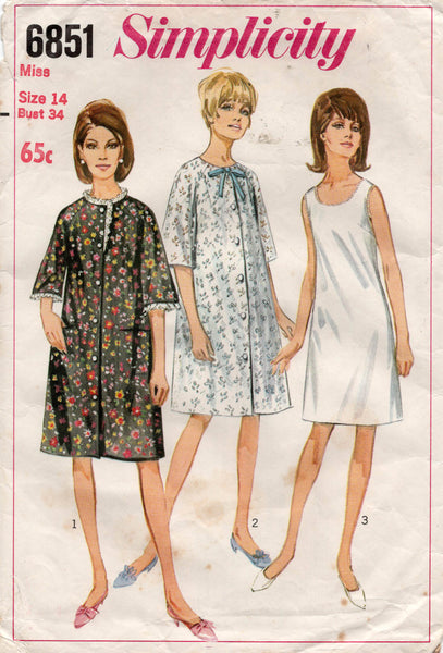 simplicity 6851 60s slip and robe