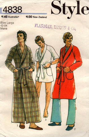 Style 4838 mens robe 70s