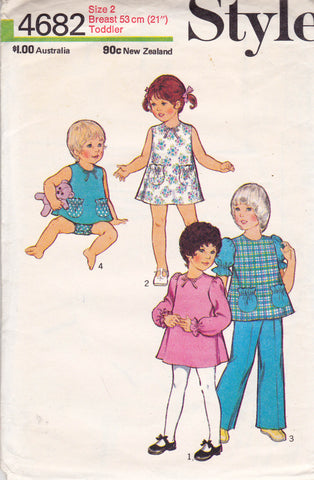 Style 4682 Toddler Girls Dress Top Pants Panties 70s Vintage Sewing Pattern Size 2 Breast 21 inches
