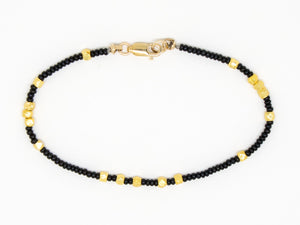Black and Gold Seed Bead Bracelet - B884