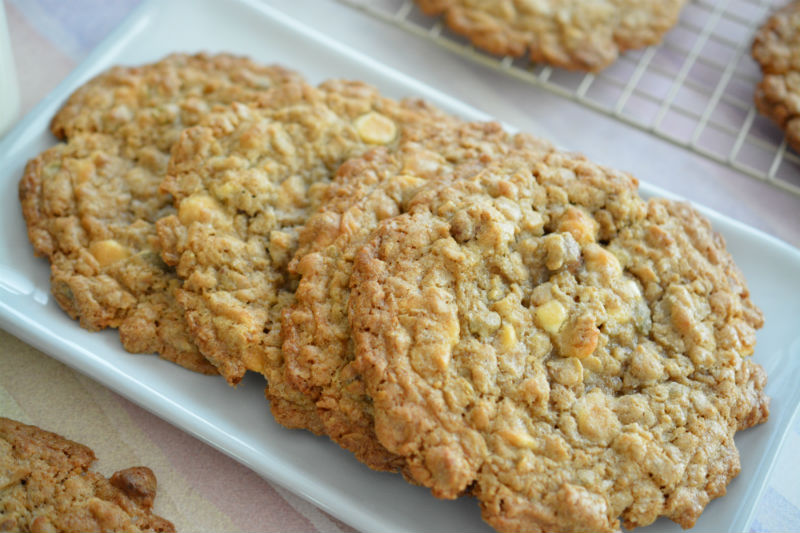 Granola White Chocolate Chip Cookies