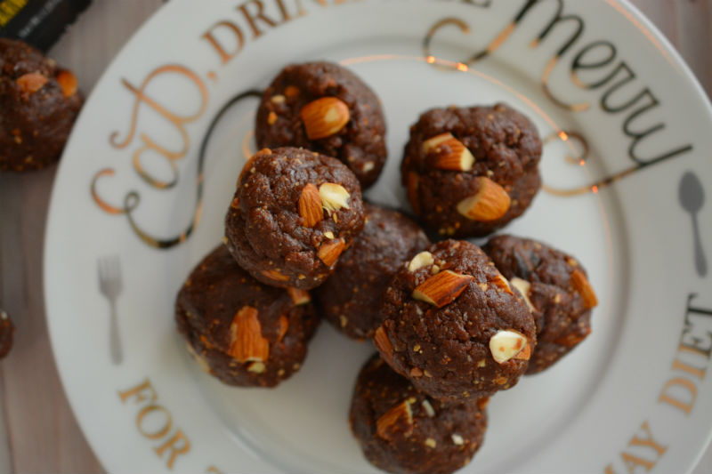 Organic Chocolate Peanut Butter Protein Balls