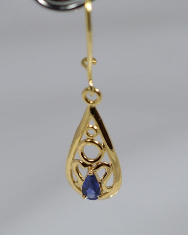 002 Natural Blue Sapphire Earrings 18k