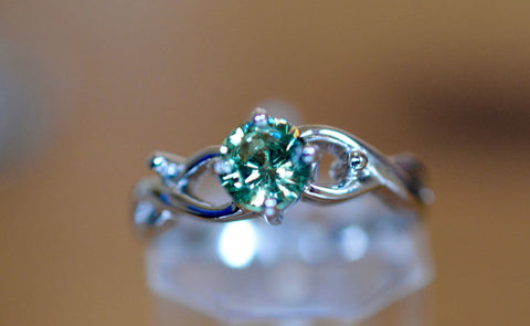 New! 0.65ct Natural Demantoid Garnet Ring  18k  Namibia