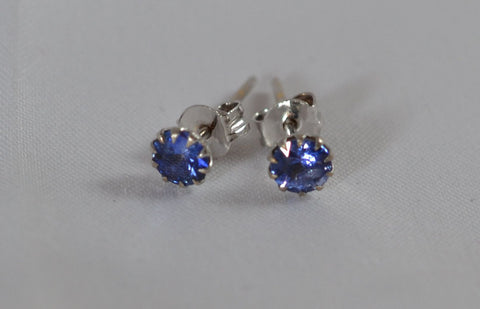 21k white gold with Natural Blue Sapphire earrings