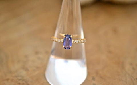 0.9ct Tanzanite  & Diamonds Ring 18k