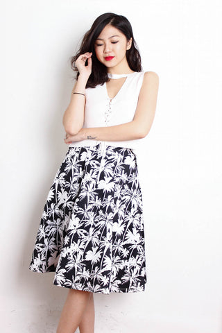 [THE CLOSET LOVER] B/W MIDI FLORAL SKIRT