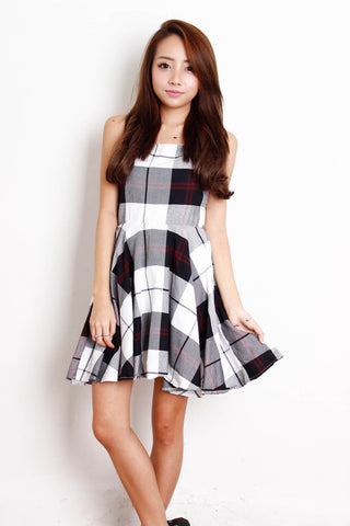 [THE TINSEL RACK] Checkered Bareback Dress in Black