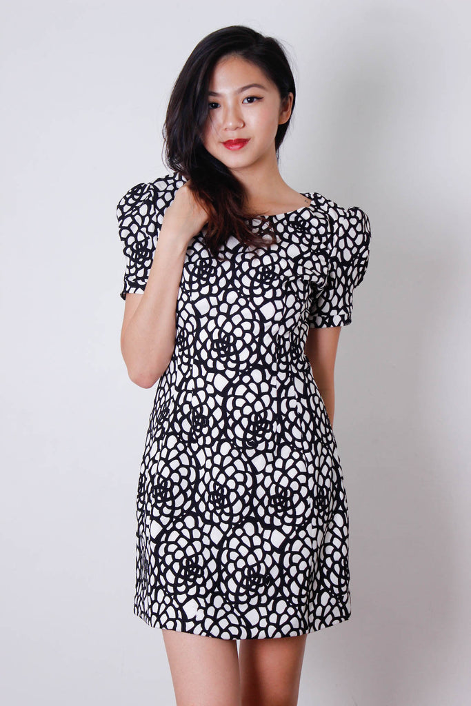 [OHVOLA] Circular Patterned Puff Sleeve Dress
