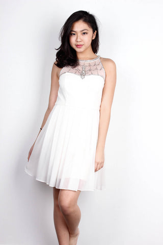 [FOREVERNEW] Diamond Studded Prom Dress in White